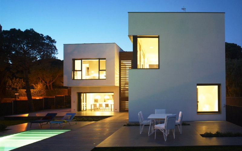 CONSTRUCTION OF SINGLE FAMILY HOUSE LOCATED IN SANT ANDREU DE LLAVANERAS